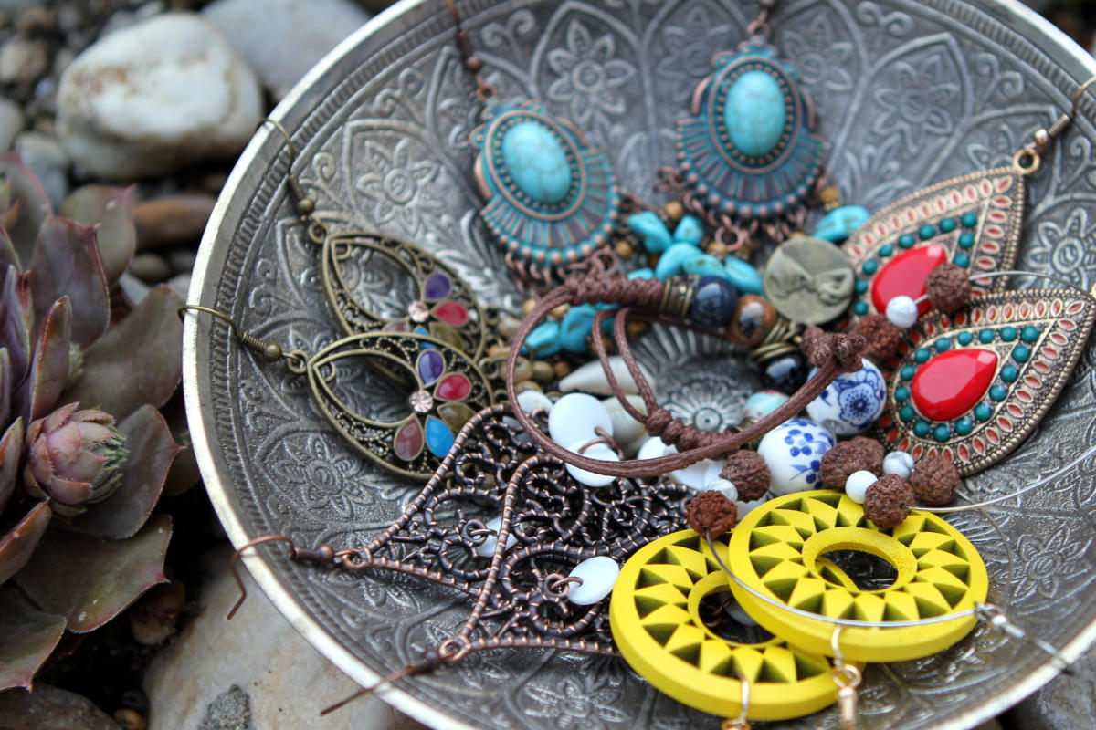 Earrings (Boho & Beads)