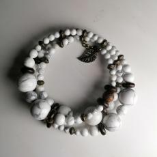 Sao Beach - Howlite, Wood and Coconut Bracelet