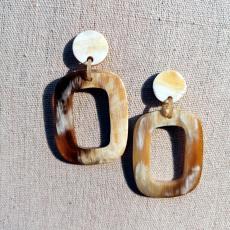 Horn Ohrringe in populärer O-Form