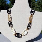 Horn necklace black & white