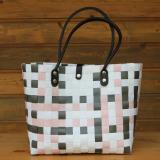 Handtasche mit Muster in Pastell