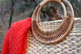 Strohtasche mit Bambusgriff